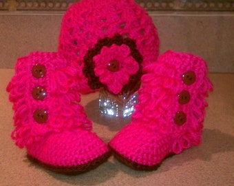 crochet baby boots furr boots and hat set hot pink/ brown 0-6  Photo Prop