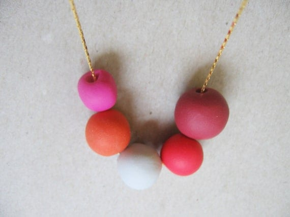 """Round geometric necklace -  tangerine and hot pink beads- autumn fashion """" Round and round"""""""