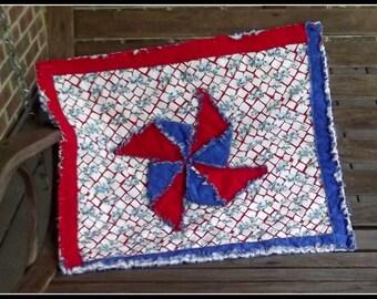 Patriotic Pinwheel Table Topper or Mini Quilt