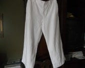 Last Call - Womens Size 8 - Fully Lined-  Wide Leg White Capri Pants -  CLEARANCE SALE