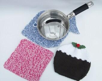 Kitchen saucepan pads knitting pattern. Fish, Christmas pudding and a square.