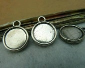 20 pcs 12mm Silver White Color Cameo Cabochon Base Setting Tray Blanks Pendants Charm Pendant C3096