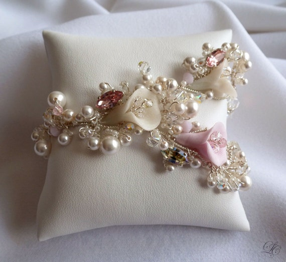 30%OFF White and Pink  Bridal Handmade  arums flowers bracelet