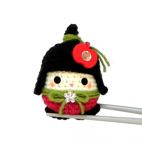 Amigurumi - Little Apple MochiQtie - Mochi size mini crochet kokeshi doll