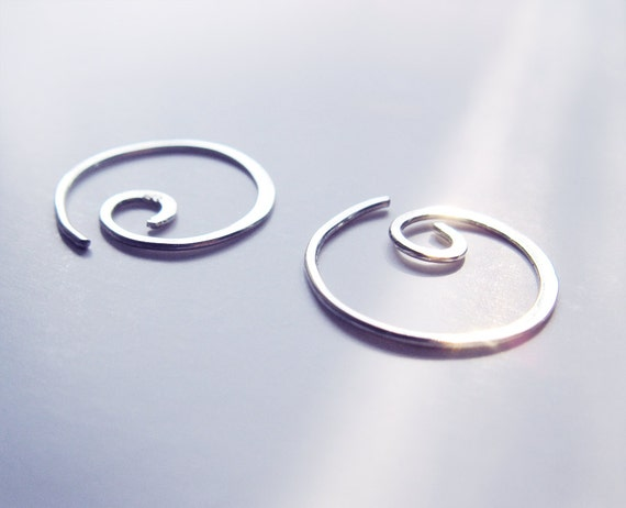 Sterling Silver Spiral Earrings, Hoop Earrings, Circle, Contemporary, Mininalistic, Hammered Handmade, Modern, Chic, Gift Idea