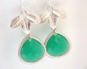 Palace Green Earrings, Glass Earrings, Leaf Earrings, Gold Earrings, Wedding Jewelry, Bridesmaid Earrings, Bridal Jewelry, Bridesmaid Gifts