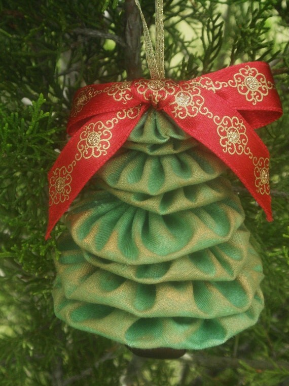 Green with Gold Accent Yo Yo Jingle Bell Christmas Tree Ornament