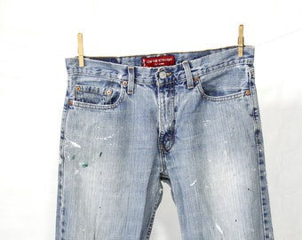Distressed Levis Jeans
