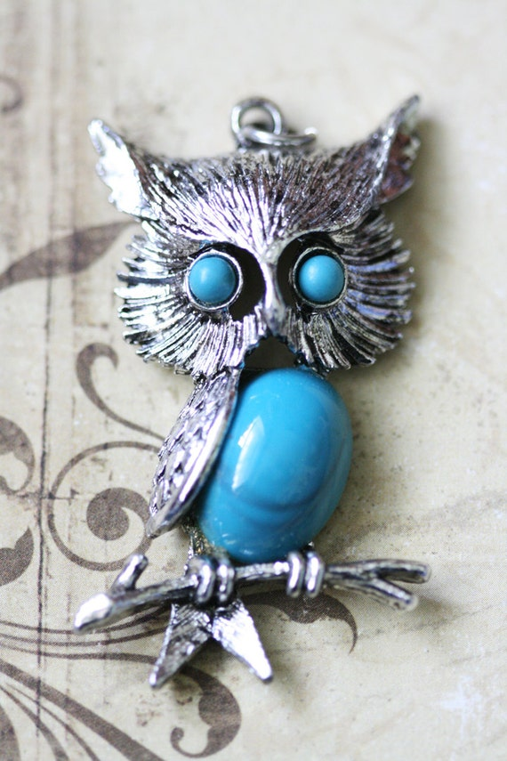 LABOR DAY SALE Silver Vintage Owl and Gold Toned Owl Pendants