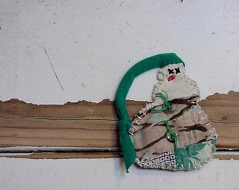 Handmade Snowman Brooch, Original Primitive Feedsack Patchwork Quilt Winter Whimsy Woodland Lapel Pin or Christmas Ornament itsyourcountry