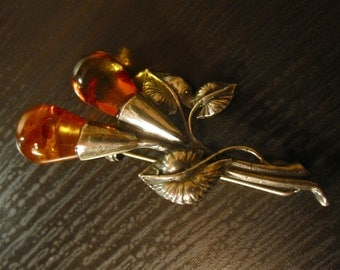 Vintage Baltic Amber and Sterling Silver Floral Brooch / Pin.