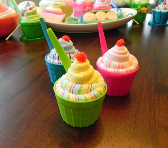 Homemade Baby Shower Favors For A Girl: Mini Baby Washcloth Sundae Unique Baby Shower Gifts And