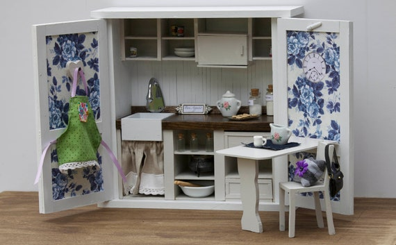 1:6 Scale French Country Kitchen with Table and Chair (Furniture for Blythe, Barbie, 12'' Fashion dolls, Bratz)