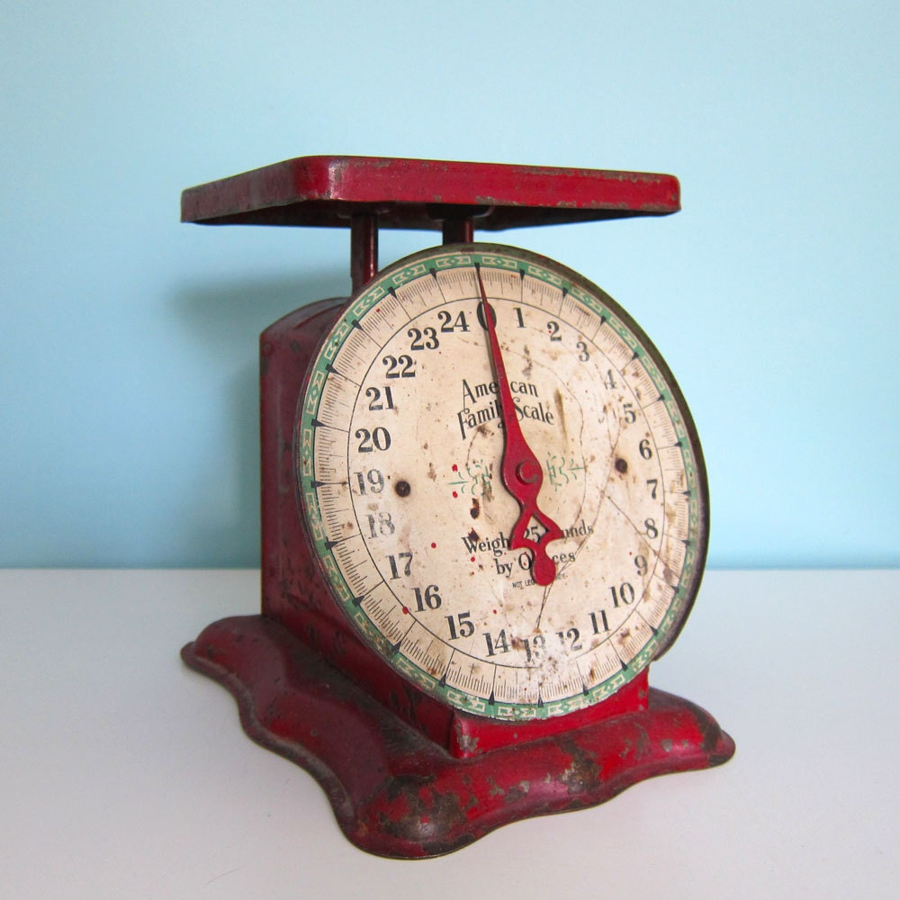 Antique Kitchen Scale: Antique Red Kitchen Scale