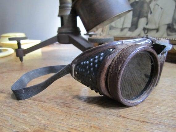 Cool retro Steampunk Bakelite Goggles.....free shipping......