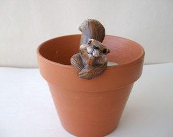 Ceramic flower pot decoration, flower pot hanger, squirrel