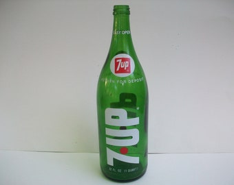 1960's Collectible 320z. 7Up Bottle