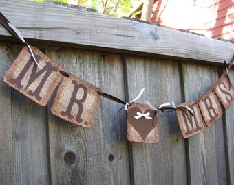 Burlap Wedding Banner, MR & MRS Garland, Bride and Groom Banner, Reception Banner, Wedding Photo Prop, Wedding Banner Heart