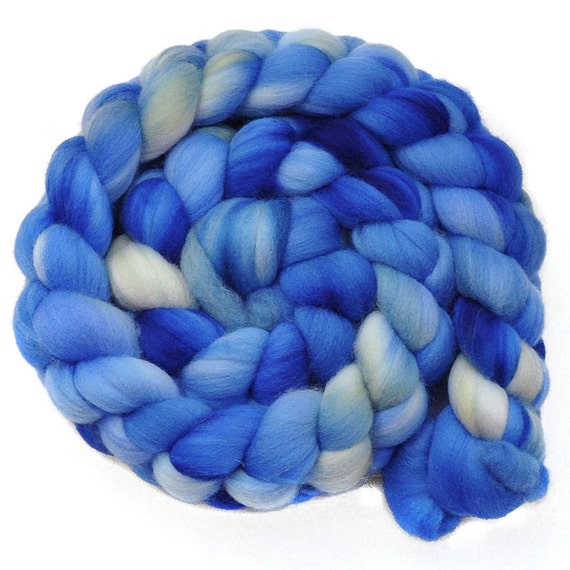 Handpainted roving - BLUE WILLOW - Merino wool spinning fiber, 4.1 ounces