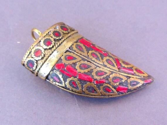 10% off Memorial Day Large Horn Pendant dyed Red Yak Bone with Brass Handmade Tibetan Horn (S22B5-02)