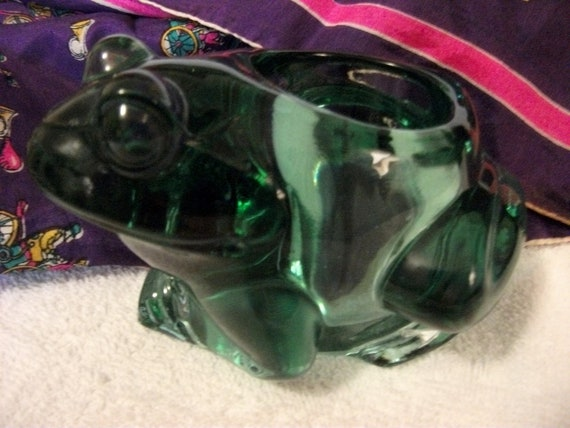 Vintage Green Glass Frog Candle Holder made by Indiana Glass Mint Condition Only 8 USD