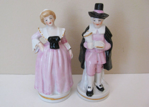 Vintage Pilgrim Man and Woman Salt and Pepper Shakers Colonial Couple in Pink & Black Antique Thanksgiving Decor Decoration