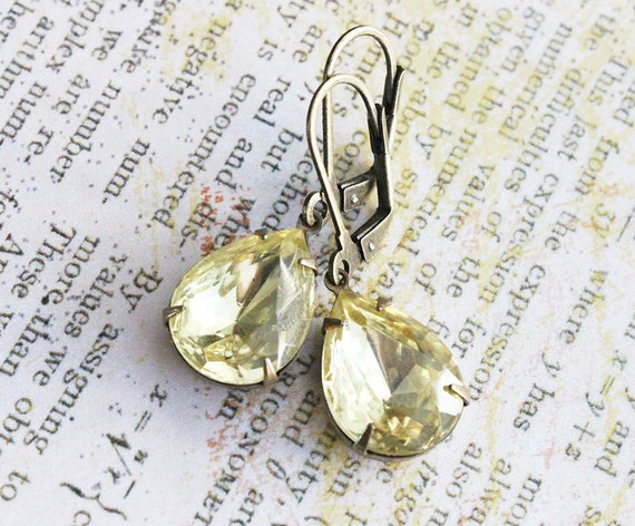 Jonquil Glass Earrings. Vintage Yellow Stone, Sparkly, Bridesmaids Earrings, fall, autumn, ,  Wedding