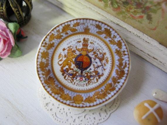 Diamond Jubilee Plate for Dollhouse