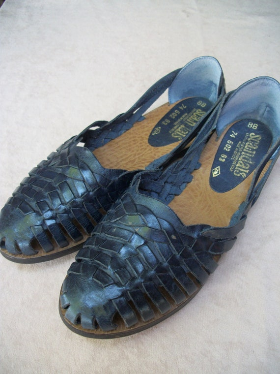 Navy huarache sandals, slip on, womans 8 B, made in Brazil by Scandals.