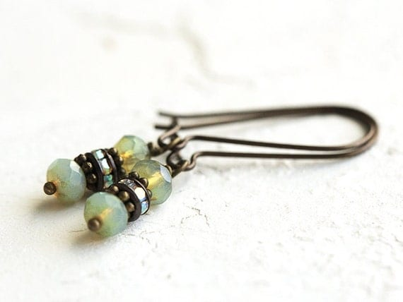 LAST PAIR - Dainty Earrings.  Green Beaded Earrings / Handmade Earrings - simple everyday earrings