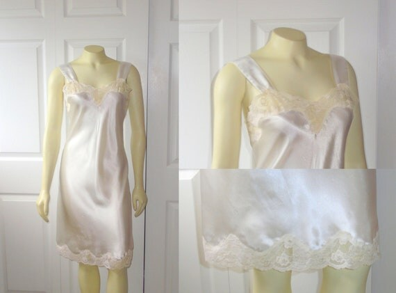 RESERVEDVintage Nightgown 80s Lord & Taylor Ivory Satin Chemise Lace Accents Size Small