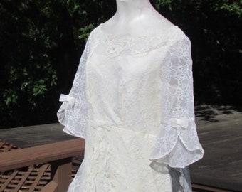 Beautiful BELL SLEEVE Lace RENAISSANCE Vintage Wedding Dress