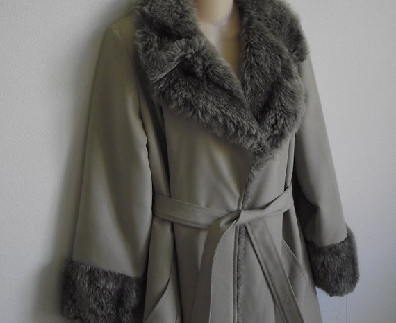 RESERVED SPECIAL -Vintage Coat faux fur trimmed tan trench coat S M
