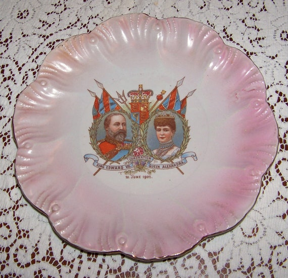 Antique Vintage 1902 King Edward VII and Queen Alexandra CORONATION plate - 110 years old