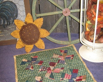 "PATCHWork  VARIETY Scrappy  12"" Square Double-Sided "" TWISTER "" Pinwheel Table Mat Quilted Runner Candle Country FolkArt Primitive"