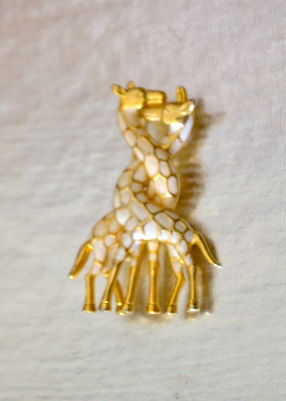 Vintage Giraffe Brooch, Enamel, Gold Tone, Animal Figural, Summer Accessory Sale, Item No. B586