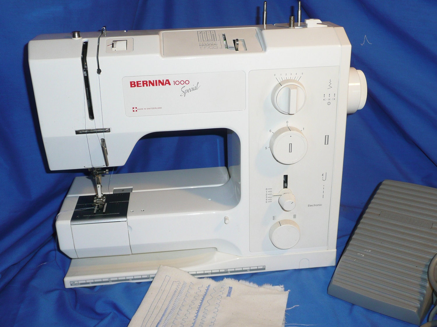 bernina 1000 special sewing machine. Black Bedroom Furniture Sets. Home Design Ideas