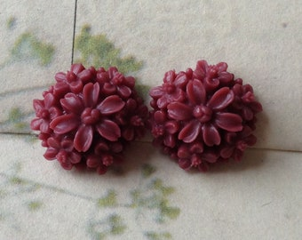14 mm Umber Red Color Resin  Tansy Flower Cabochons (.st)