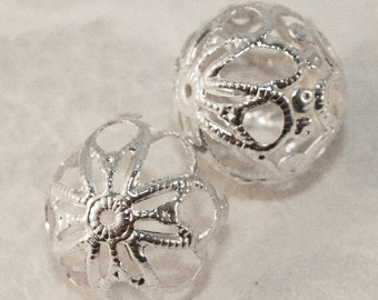 Silver Plated Round Filigree Iron Beads 18mm (12 pcs) S44