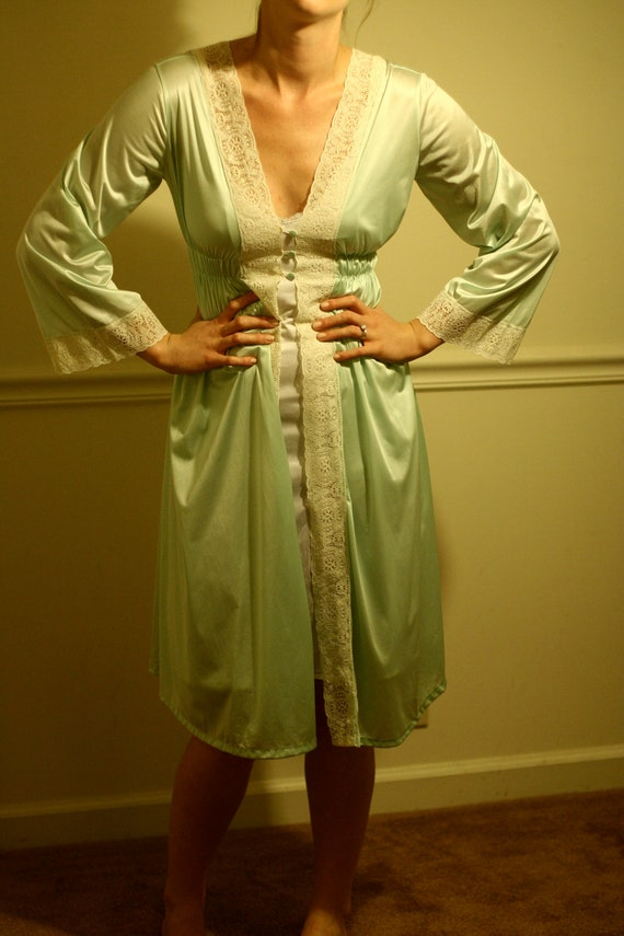 ILGWU Vintage ROBE - 1970s Petite Sheer Seafoam Green NYLON International Ladies' Garment Workers Union