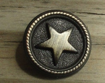 10 Metal Star Buttons - Antiqued Brass