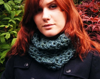 Green Crochet Cowl Scarf Neckwarmer Accessory