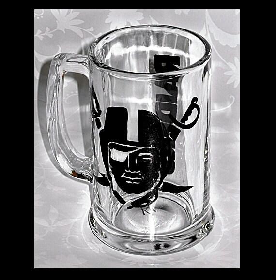 16 oz OAKLAND RAIDERS glass Beer Mug, hand-painted, signed