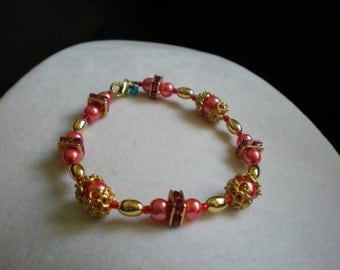 Salmon Pink Pearl and Gold Cap Bracelet