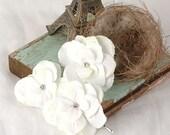 Wedding Flower Hair Pins, Rustic Floral Bobby Pins, Hydrangea Hair Accessories, Wedding Hair Flowers, White, Light Ivory Bridal Hair Pieces
