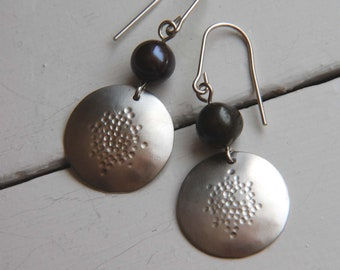 Silver Hammered Earrings Black Pearl Earrings Boho Earrings Silver Drop Earrings 925 Silver Earrings Gifts Under 30
