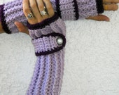 violet and plum arm warmers, fingerless gloves, texting gloves, crochet gloves, boho gloves, hand warmers, boho fashion, button gloves