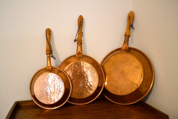 Set Of 3 Hammered Copper Frying Pans Shabby Chic Country