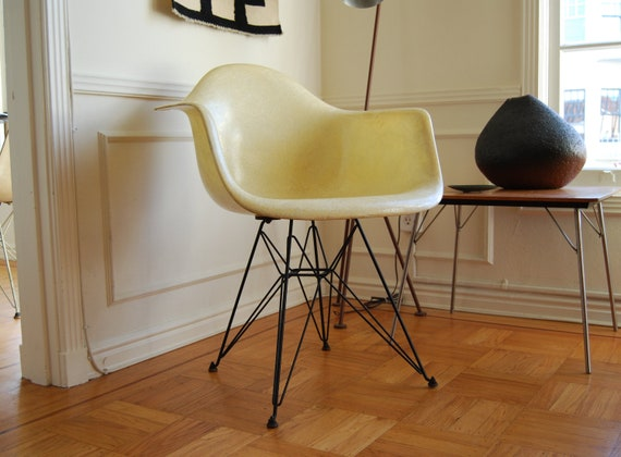 Charles & Ray Eames 1st Prod. DAR Manufactured by Zenith Plastics