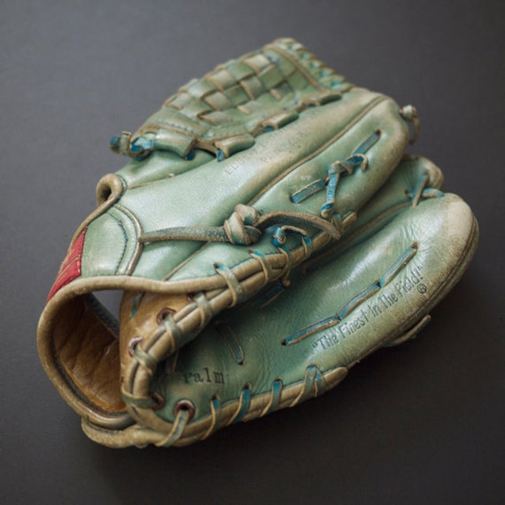 reserved for Mammalammaz vintage Rawlings GJ64  baseball glove